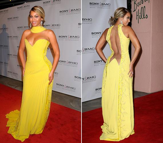 Beyoncé láthatóan szívesen kísérletezik a színekkel: a 2008-as Grammyre ebben a kanárisárga estélyiben ment, mely tökéletesen illeszkedett az alakjára.
