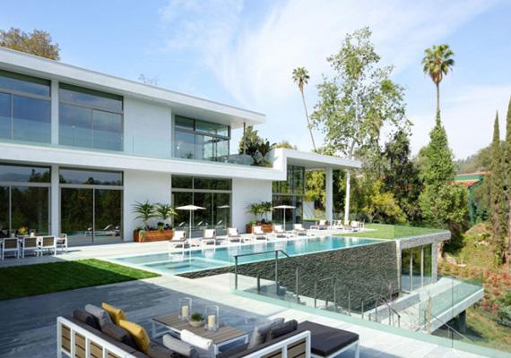 Az ingatlanért a tulajdonosa 45 millió dollárt kér, de biztosan lesz majd olyan híresség, akinek megér ennyit a nyugalom.