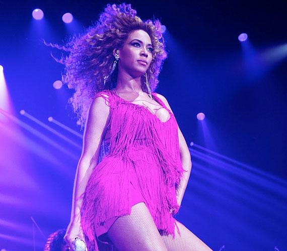 Az albumról már két kislemez is megjelent, a Best Thing I Never Had és a Run the World (Girls).