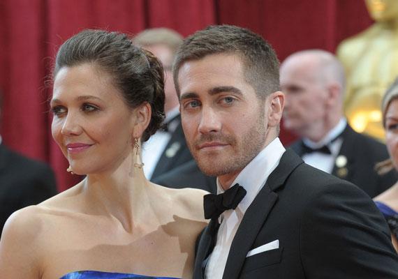 Jake és Maggie Gyllenhaal is a színpadot választották, sőt, közös filmben is szerepeltek együtt. Maggie-t a Titkárnő című filmben nyújtott alakításáért 2003-ban Golden Globe-díjra jelölték. Bátyját Oscar-díjra is jelölték a Túl a barátságon című filmjéért.