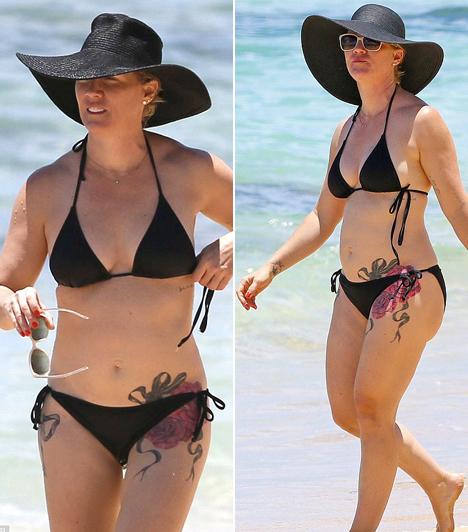 Jennie Garth  A Beverly Hills 90210 sztárja, Jennie Garth gond nélkül bikinit húz, ha úgy tartja kedve.  Kapcsolódó cikk:  Így néz ki bikiniben egy hús-vér nő a negyvenes éveiben!