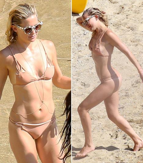 Kate Hudson  Kate Hudson barátnőivel és anyukájával, Goldie Hawnnal nyaralt együtt Görögországban, egyik nap pedig ebben a dögös, testszínű bikiniben pancsolt.  Kapcsolódó cikk:  Nem volt rajtuk bikinifelső! Így napoztak