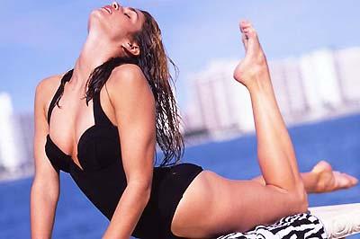 Cindy Crawford szexi pózban