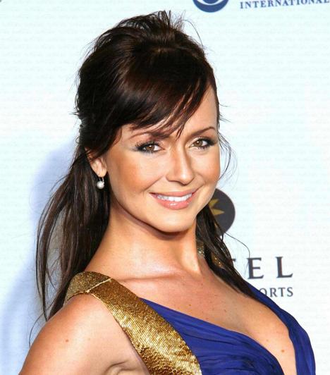 Gabriela Spanic                         A venezuelai sorozatsztár, Gabriela Spanic Magyarországon a Paula és Paulinával vált ismertté. A csinos színésznőért férfiak milliói vannak oda. Kisfiát, Gabrielt egyedül neveli.