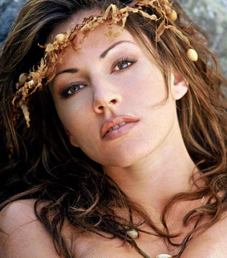 Krista AllenAz 1971-es születésű színésznő a Baywatch, az Ármány és szenvedély, a Miért pont Brian? és az Álomgyári feleség című sorozatokból is ismerős lehet a nézőknek.