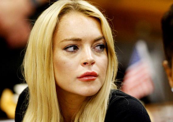 Lindsay Lohan színésznőnek többször is meggyűlt a baja a törvénnyel. Legutóbb 2010 nyarán ítélték el, akkor azért kapott 90 nap elzárást, illetve három hónap rehabot, mert megszegte a feltételes szabadlábra helyezés szabályait. Három évvel korábban ugyanis már felelősségre vonták ittas vezetés és a kokainfogyasztás miatt.