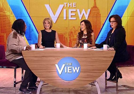 Rosie O'Donnell nem tud lakatot tenni a szájára. Visszatérése után már a The View első adásában botrányt csinált, amikor a nézők szeme láttára veszett össze Whoopi Goldberggel. A műsorvezetőt vállalhatatlan viselkedése miatt ki is rúgta a csatorna.