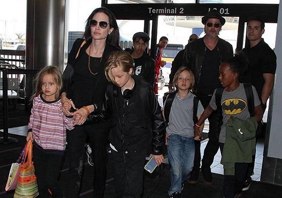 Angelina Jolie és Brad Pitt a Mr. és Mrs. Smith forgatásán gabalyodtak egymásba 2004-ben. A sajtó eleinte Angelina újabb trófeájaként emlegette, de mára rácáfoltak az akkori rosszindulatú előjelzésekre. Hat gyermeket nevelnek közösen, hármat adoptáltak, három pedig a sajátjuk. Jelenleg ők Hollywood első számú álompárja.