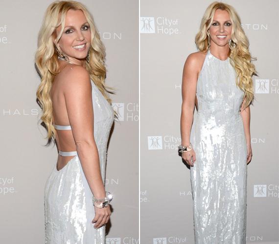 A 30 éves sztár október elején ebben a gyöngyházfényű, mélyen kivágott ruhában bűvölt el mindenkit egy Los Angeles-i díjátadón.