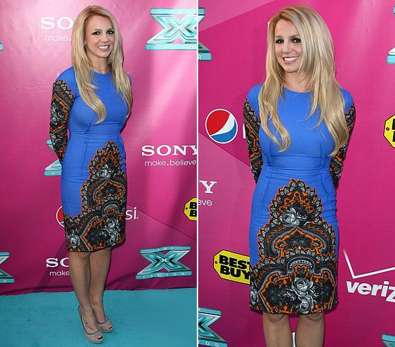 Az X-Factor november eleji hivatalos premierpartiján is egy figyelemfelkeltő színű és mintájú, testhezálló ruhába bújt.
