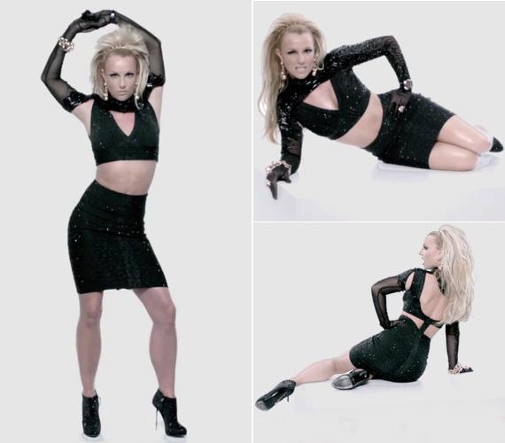 A testhezálló fekete ruhadarabokban jól látható, hogy hátsójából és csípőjéből lefaragott minden felesleget, hasát izmosra gyúrta.
