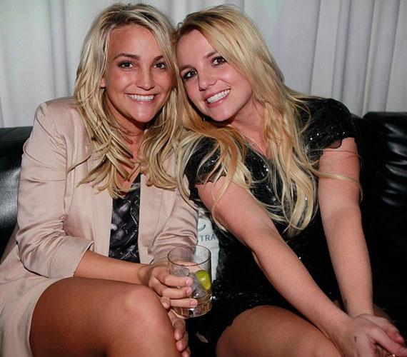 A nővérek között kilenc év korkülönbség van. Habár Britney 30, Jamie Lynn pedig még csak 21 éves, mindkettejükre igaz, hogy bőven 30 felettinek néznek ki.