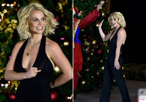Az énekesnő igazi karácsonymániás, egy korábbi interjúban elárulta, hogy húgával, Jamie Lynnel úgy izgultak már előző este, hogy egész éjjel fennmaradtak, így várták a Mikulást.