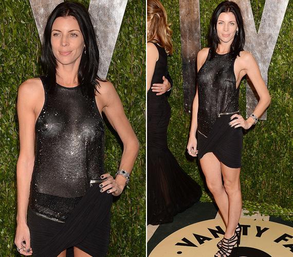 A Kristen Stewarttal megcsalt rendezőfeleség, Liberty Ross színésznő áttetsző fekete ruhája sem sokat bízott a fantáziára.