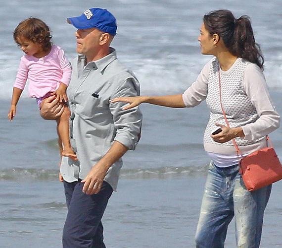Az 58 éves színész és 23 évvel fiatalabb felesége, Emma Heming második közös gyermeküket várják.