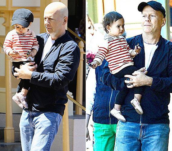 Bruce Willis bolondul a 13 hónapos Mabelért - a rajongás kölcsönös. A kislány még azt is megengedi, hogy édesapja baseballsapkájával védje őt a naptól - pedig a gyerekek nem túlzottan rajonganak a fejfedőkért.