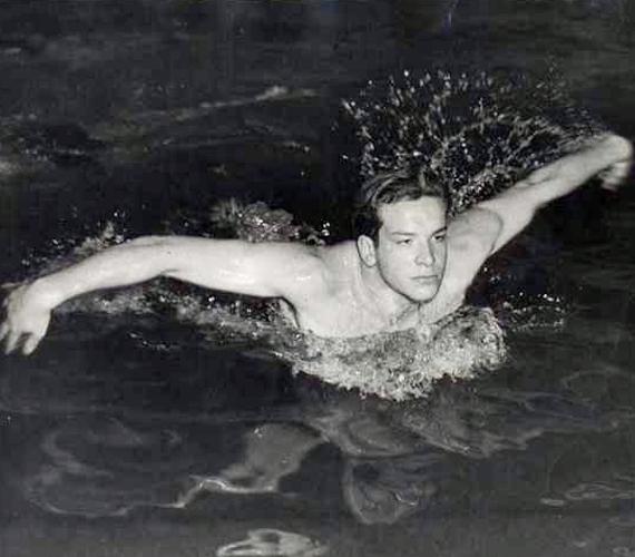 Az 1952-es helsinki olimpián Olaszország színeiben versenyzett, és a középdöntőbe jutott 100 méteres gyorsúszásban.