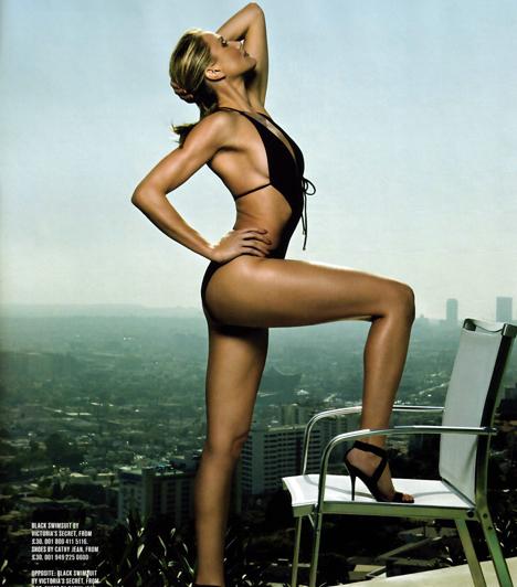 GQ címlap  Időnként elvállal modell-munkákat is. A GQ magazin orosz kiadásának 2008 augusztusi számában például bikiniben csábítja az olvasókat.
