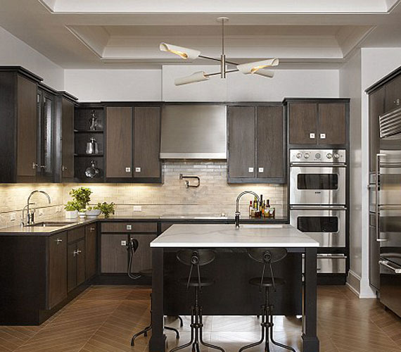 A konyha egyszerű és nagyszerű, praktikus, a főzés igazi öröm lehet itt.