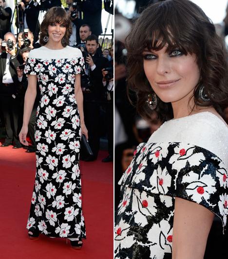 """Milla Jovovich                         A színésznő átértelmezte a """"kis feketét"""". Chanel ruhája elrejti, hogy a természet nem adományozott neki túl nagy melleket."""
