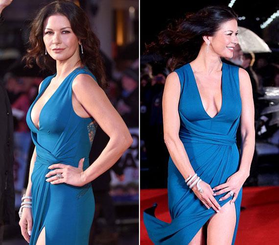 Merész ez a kék, de remekül áll Catherine Zeta Joneson. A január 26-i premier idején ő volt az egyedüli, aki a hideg ellenére lengén öltözött.