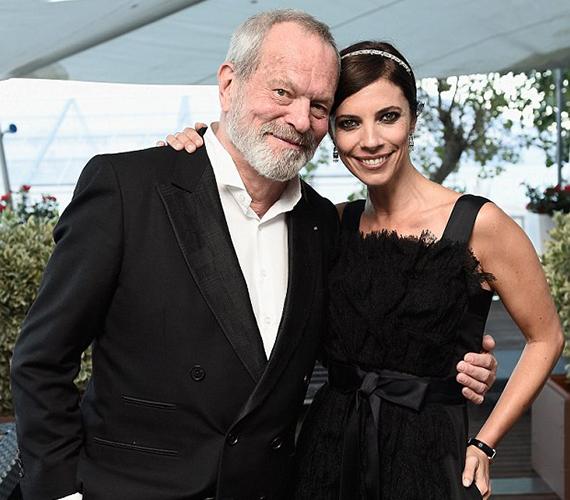 Terry Gilliam a híres spanyol színésznő, Marbel Verdú mellett pózolt a gálán, akivel már régóta jó barátok.