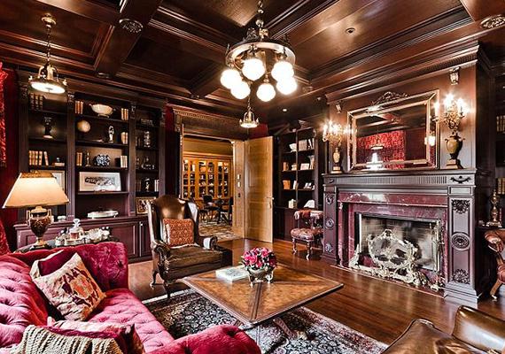 A nappali mintha egy kicsit zsúfolt lenne.