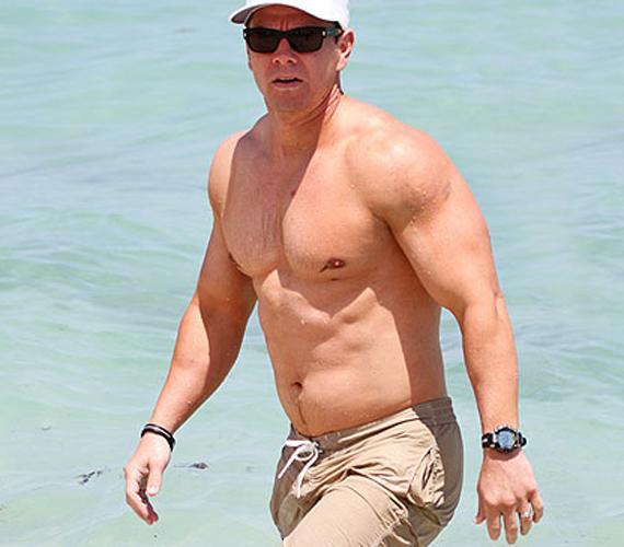 Mark Wahlberg jobb formában van, mint valaha. 41 éves korára fantasztikusan néz ki.