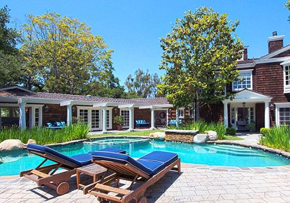 A Beverly Hills-i ház egy hektáros birtokon fekszik.