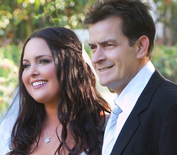 A boldogság útjába azonban semmi sem állhat: 2010 szeptemberében ment feleségül főiskola szerelméhez, Casey Huffmanhoz.