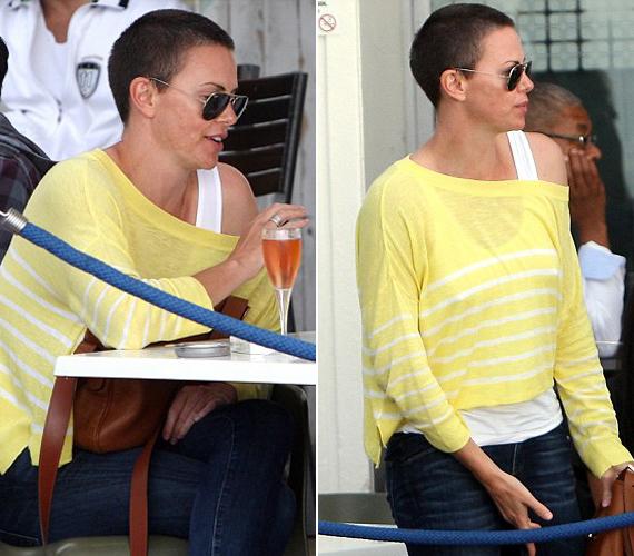 A színésznő tavaly fiúsan rövidre vágatta a haját, és akkor látszott igazából, hogy nem természetes szőke.