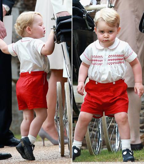 György herceg ellopta a show-t!  György herceg olyan arcokat vágott a keresztelőn, amiket senki nem tudott nevetés nélkül megállni. Amikor pedig bekukucskált Charlotte-hoz a babakocsiba, mindenki sóhajtott egyet a meghatottságtól.  Kapcsolódó cikk:  Harry herceg nem ment el unokahúga keresztelőjére!