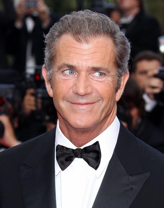 2006-ban óriási port kavart, amikor Mel Gibsont lecsukták ittas vezetésért. Ekkor derült fény alkoholfüggőségére is, amiből évek óta próbál kilábalni.