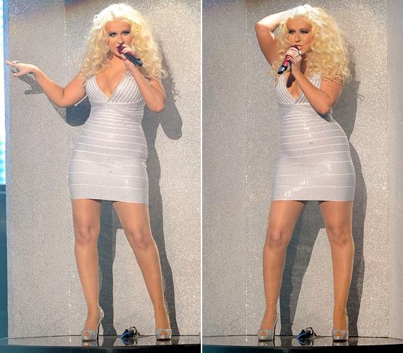 Az ezüstös miniruha látványosan feszült Aguilera testén.