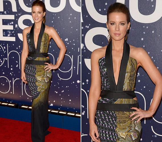 Kate Beckinsale is ragyogott a vörös szőnyegen egy mélyen kivágott ruhában.