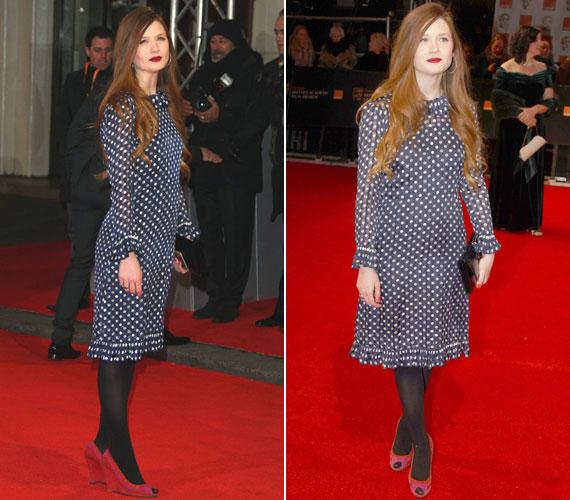 A Harry Potter sorozat boszorkánya tanulhatott volna filmbeli fiatal kolléganőjétől. Bonnie Wright egy egyszerű, de francia eleganciát sugárzó, pöttyös, kék ruhát húzott fel.