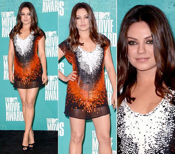 A 28 éves Mila Kunis extra rövid Fendi ruhát viselt, amihez Jimmy Choo cipőt és Christian Dior ékszereket párosított.
