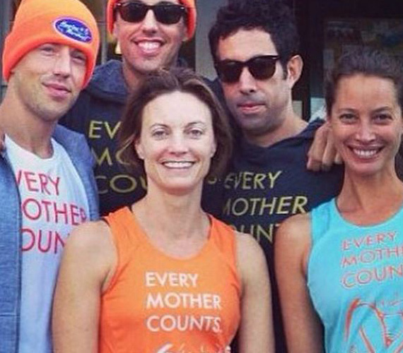 Az Every Mother Counts alapítvány többször szervez jótékonysági megmozdulásokat, legutóbb futóversenyt tartottak, és az ezen készült fotókat Christy az Instagramjára is kitette. Alapítványi tevékenysége miatt Christy Turlington rákerült a Time 100-as listájára is, ahol 2014 legbefolyásosabb személyeit gyűjtötték össze.