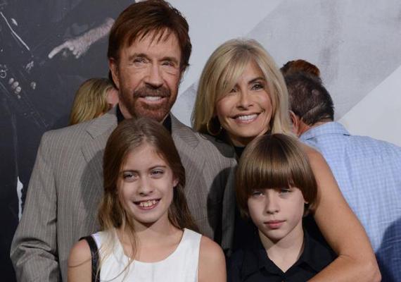 A színész élete során kétszer házasodott: először Dianne Holechekkel, majd 1998-ban Gena O'Kelley-vel, akitől ikergyermekei születtek. Ezen a 2012-es fotón ők láthatóak: Danilee - balra - és Dakota Alan - jobbra.