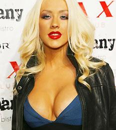 Christina Aguilera, a dögös mama