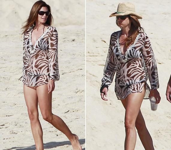 A modellszereti a strandruhákat, mexikói kiruccanásakor egy tigrismintásat választott.