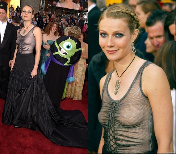 Gwyneth Paltrow nemrégiben bevallotta, élete egyik legrosszabb ruhaválasztása volt 2002-ben ez az Alexander McQueen estélyi, amelyet az Oscaron viselt, ráadásul melltartó nélkül.
