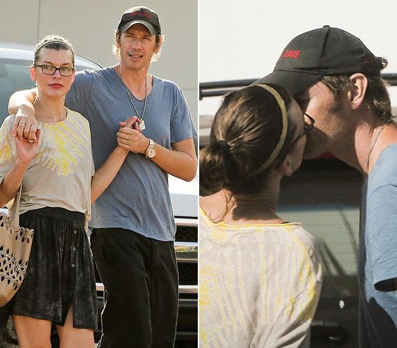 Milla Jovovich és férje, Paul W. S. Anderson idén augusztusban már az ötödik házassági évfordulójukat ünneplik, de érzelmeik egymás iránt még ugyanolyan erősek, mint friss szerelmes korukban. A sztárpárt június 26-án, csütörtökön kapták le Malibun, egy bevásárlást követően, és a kocsiba beszállás előtt még egy szenvedélyes csók is elcsattant.