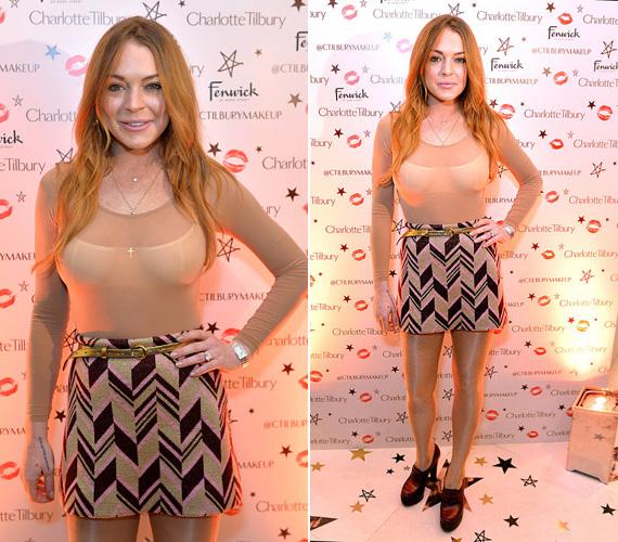 Lindsay Lohan semmit nem bízott a véletlenre: a túl rövid ruháját egy igencsak átlátszó felsővel párosította, az egész szettet pedig egy stílusban sem passzoló cipővel egészítette ki, így biztosan mindenki megbámulta, amikor szerdán részt vett Londonban egy kozmetikai bemutatón.