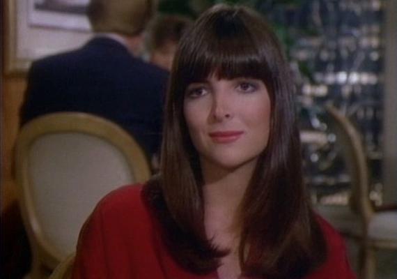 Kehly Sloane szintén színészi babérokra tört, még a Dallasban is szerepet kapott édesanyja mellett, ő alakította Samantha titkárnőjét, Kellyt.