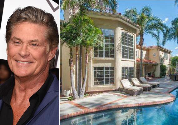 David Hasselhoff 2013-ban vásárolta a kaliforniai birtokot, akkor 1,95 millió dollárt fizetett érte. A ház eredetileg 1990-ben épült, kétemeletes, és 535 négyzetméter lakótérrel rendelkezik.
