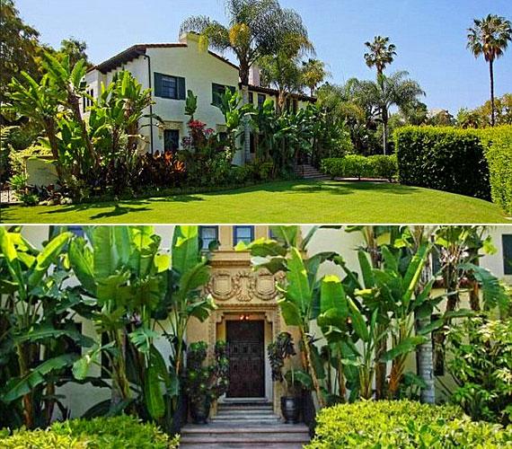 A 85 éves múltra visszatekintő épületet rengeteg növény veszi körül, az otthon melegéről pedig öt gyönyörű kandalló gondoskodik.