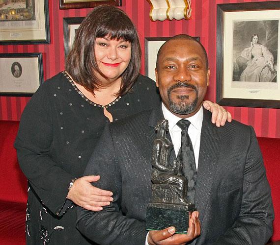 Férjétől, Lenny Henrytől 25 év házasság után 2010-ben vált el.