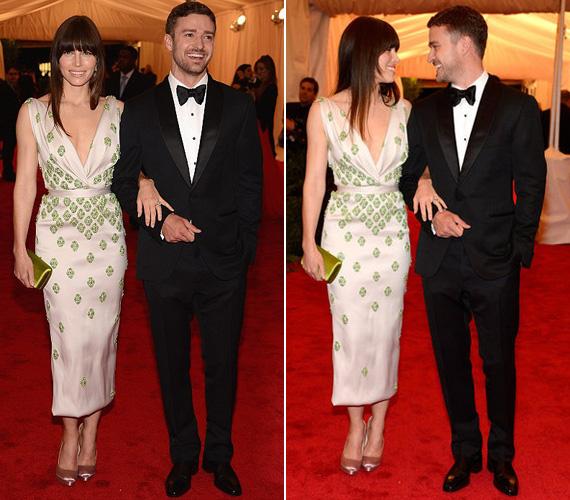 Jessica Biel fehér selyemruháját csillogó zöld kövek dobták fel. A színésznőt természetesen vőlegénye, Justin Timberlake kísérte el.