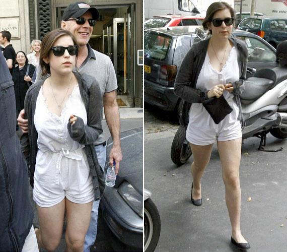 2007 nyarán apjával, Bruce Willisszel tett Párizsban egy kiruccanást. Az ekkor készült felvételeken még kislányosan bájos.